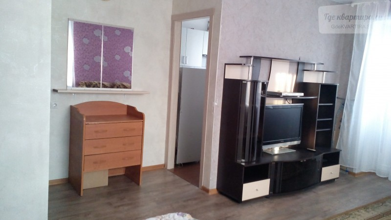 1-комнатная квартира на сутки за 1200, улица Коммунаров, 216А в Ижевске: 32м2, 4 этаж